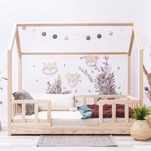 Hausbett Luno mit Geländer an den Beinen 2,5cm